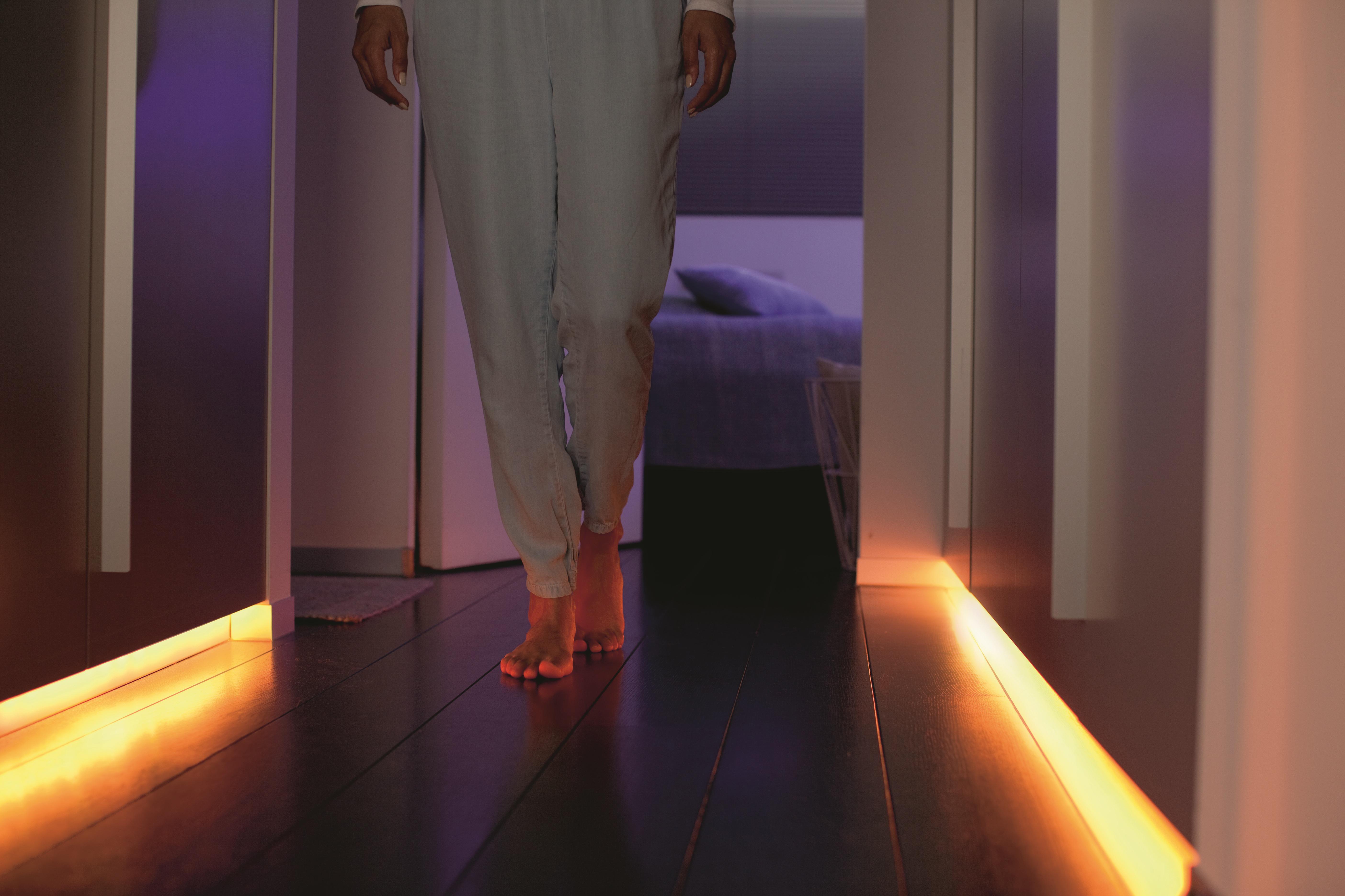 Philips Hue LightStrip Plus: genügend Licht für einen ganzen Raum