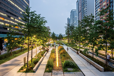 Gyeongui Line Forest Walkway Lighting Design Project, Seoul, Korea