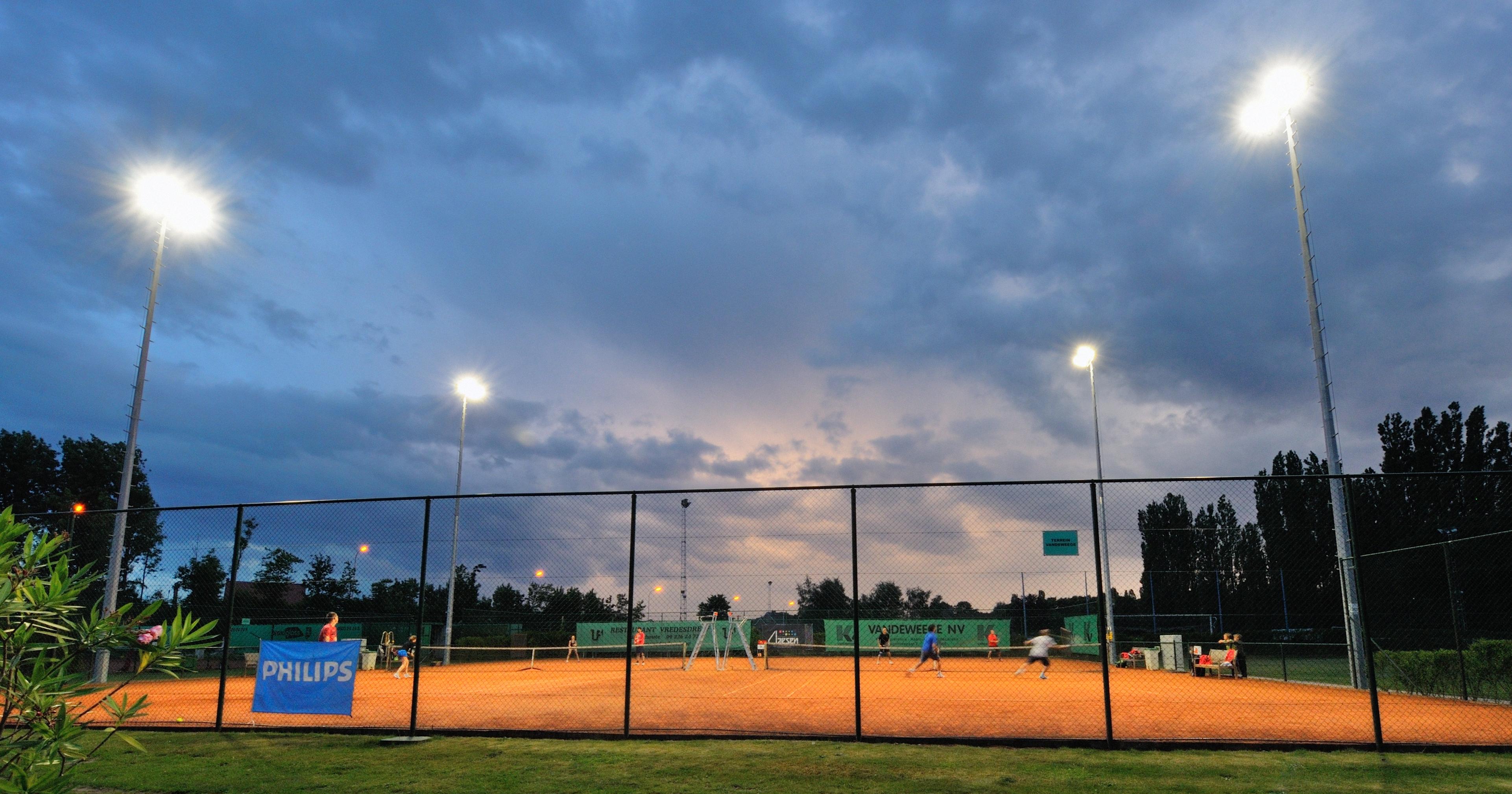 TC EleveN installeert ultramoderne LED-sportveldverlichting van Philips