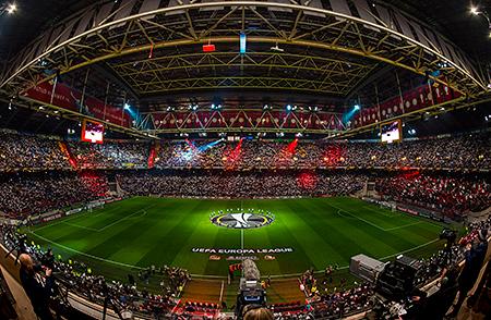 https://www.signify.com/b-dam/b2b-li/nl_NL/newscenter/2017/amsterdam-arena/FVBF230217-0725F-thumb.jpg