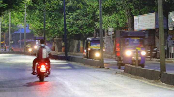 Smart streetlights making the city safer in Pune, India