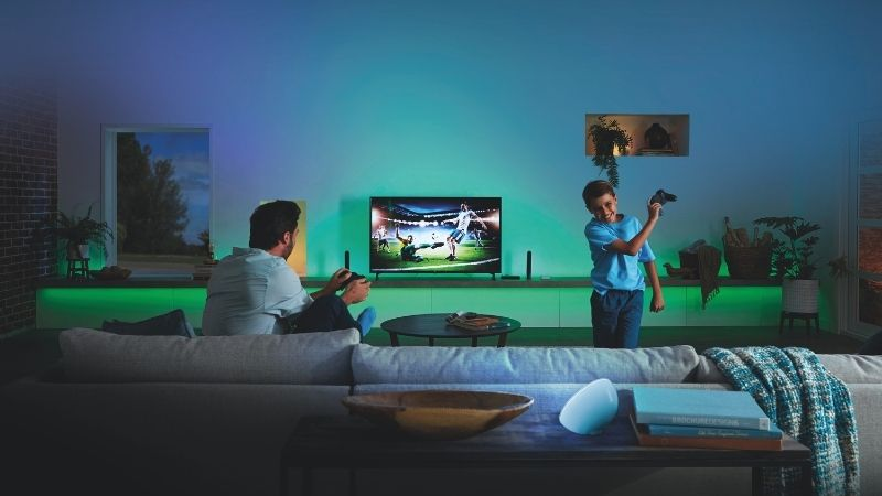 Playing Football with philips hue sync box