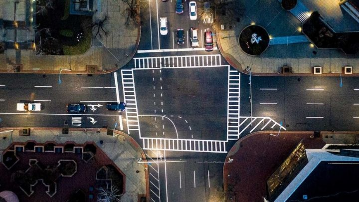 Street lighting for smart cities: wins and trends