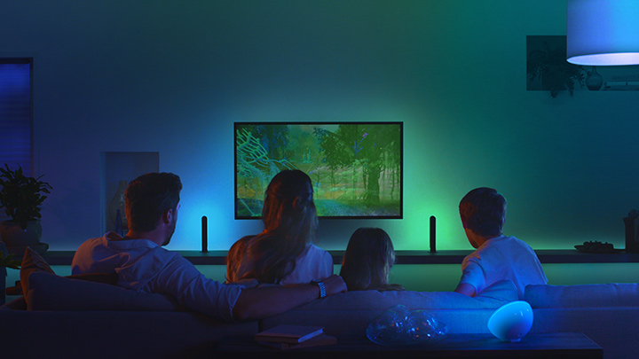 Kinoreif – Die Philips Hue Play HDMI Sync Box bringt Home Entertainment auf ein neues Level