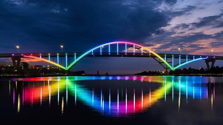 Signify illuminates the Daniel Hoan Memorial Bridge